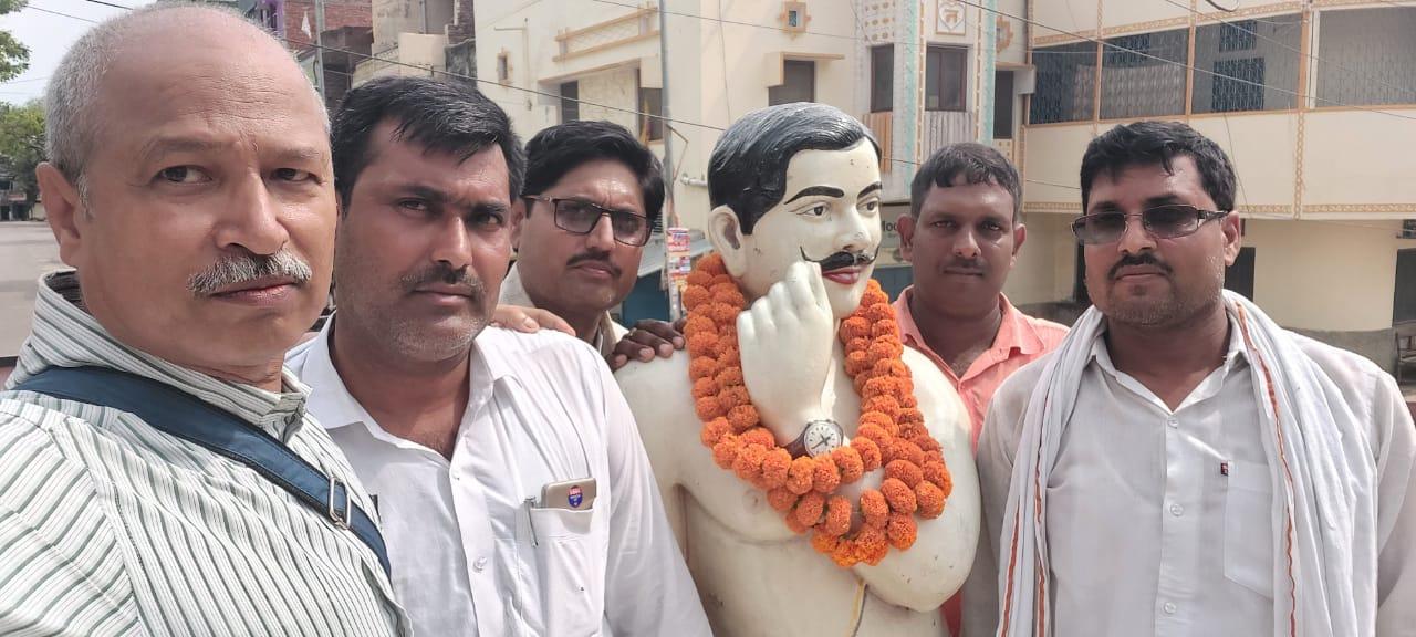 Balia: ब्राह्मण स्वयंसेवक संघ ने क्रांतिकारी चंद्रशेखर आजाद की जयंती धूमधाम से मनाई